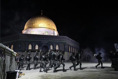 Mescid-i Aksa İsrail polisi