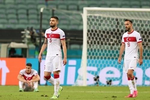 Türk Futbolu dipi gördü.